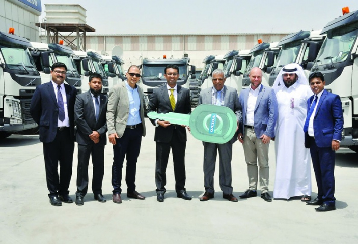 Domasco and Tokyo Freight Services officials at the handover ceremony. (image The Peninsula)