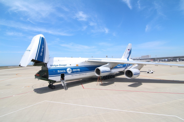 An-124-100, IL-76TD-90VD and Boeing 747-8 freighters from the Volga-Dnepr Group fleet have all supported deugro's logistics project.
