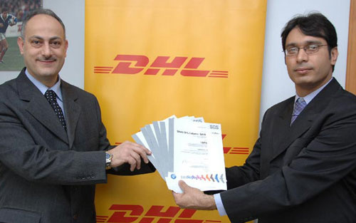 Omar Cheik from DHL Express receives security certificate from TAPA auditor Aamir Shakir.