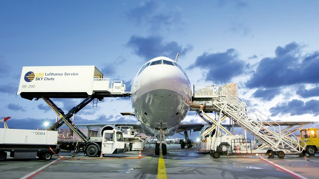 IATA head says air freight load factors near 2009 crash levels, but the Middle East is still leading the pack.