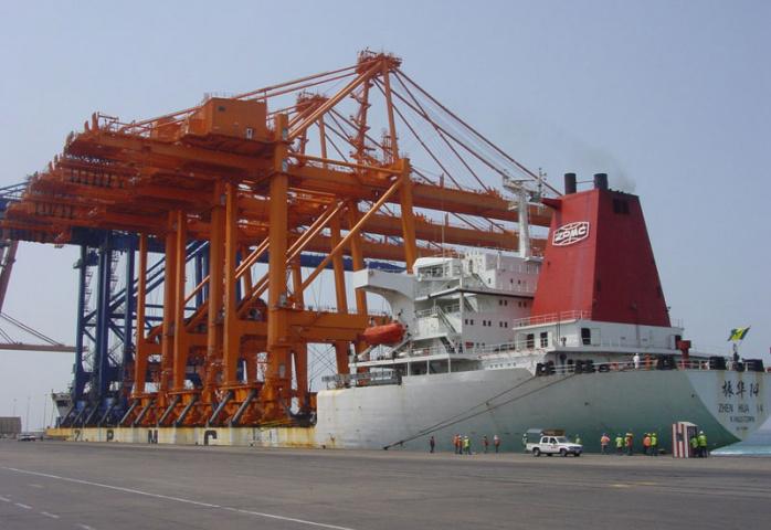 King Abdul Aziz Port, Crane, Saudi arabia