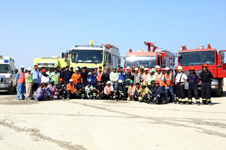 The first responders included teams from the Public Authority for Civil Defence and Ambulance (PACDA), Royal Oman Police, Orpic, Vale Oman, SIUCI, OMC, Jindal Shadeed, Larsen & Toubro, Oman PESCo, as well as local volunteer diving teams.
