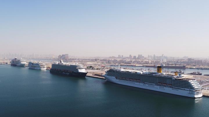 Costa Mediterranea, MSC Splendida, Mein Schiff 5 and AIDAstella shared the 1.9-kilometre cruise quay at Port Rashid.