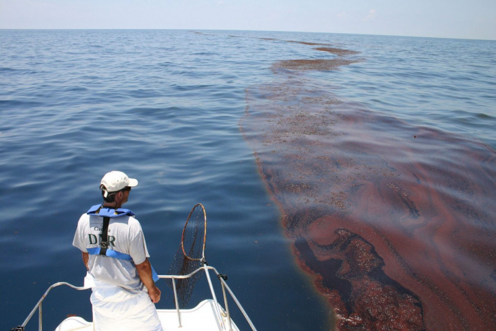 Oil spills off Fujairah have become more prevalent and risk real economic and environmental damage.