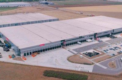 Bobcat, Warehouse, Distribution centre, Germany, Gcc, Dubai