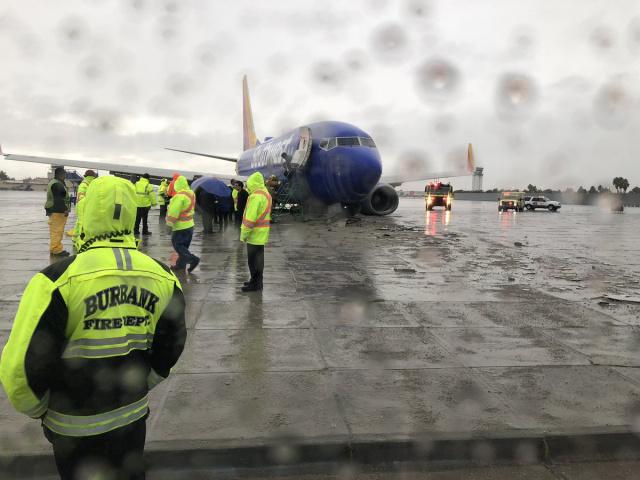 Airliner, Jet, Emergency, Landing, Crash