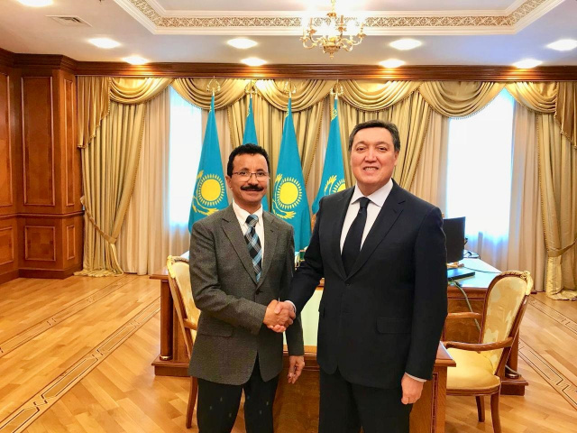 DP World group chairman and CEO Sultan Ahmed Bin Sulayem with Kazakhstan's prime minister Askar Mamin in Astana