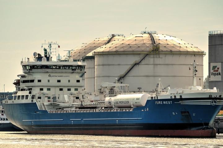 Oil tanker, IMO 2020, Sulphur cap, Low sulphur fuel