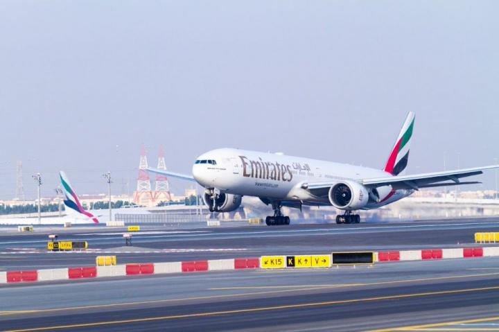 Dubai airport, Runway closure, Dubai, Passengers, Aviation