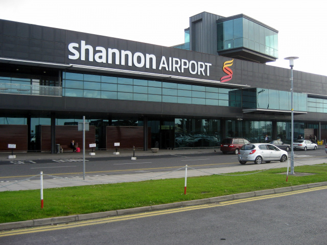 Shannon airport, Ireland, Plane, Fire