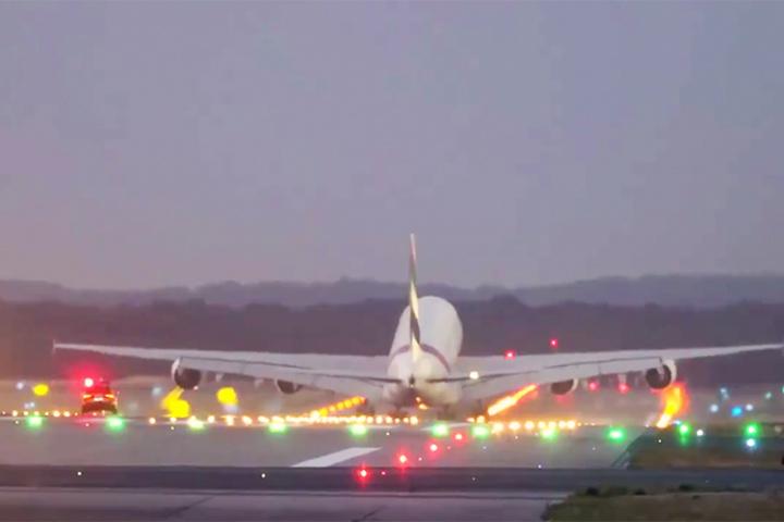 Emirates A380, Dusseldorf