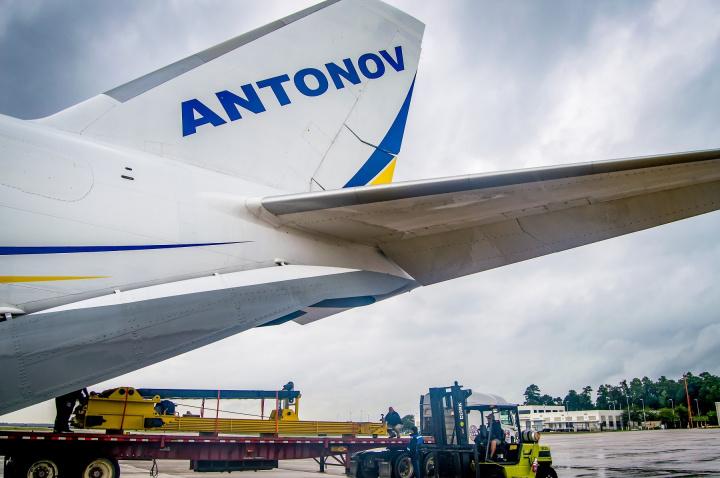 Antanov, Air cargo, Air freight, Oil and gas