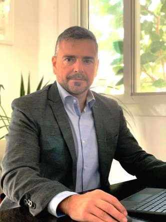 Jacques Adem is the co-founder and managing director of Log Square