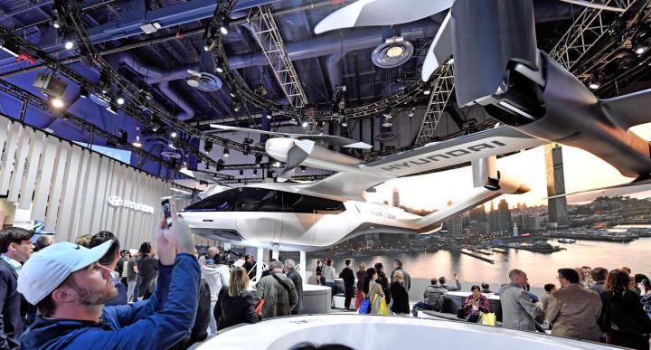 Hyundai reveals PAV and Uber Elevate partnership.