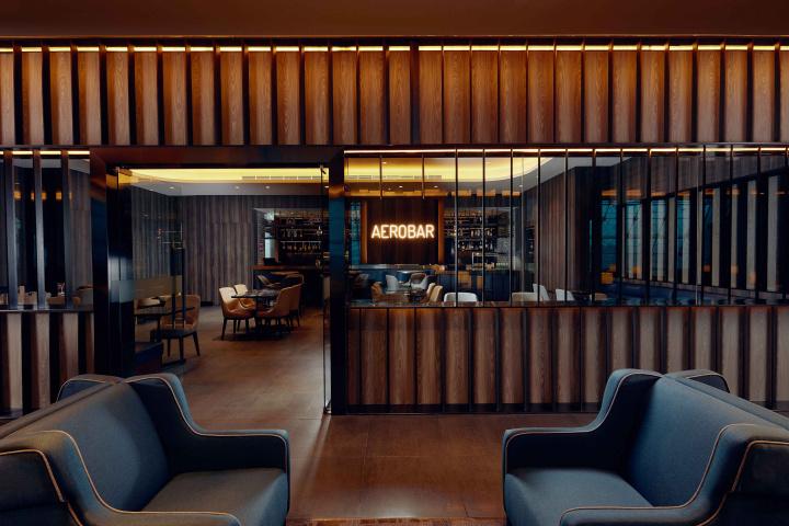 Plaza Premium Lounge Dubai - AeroBar