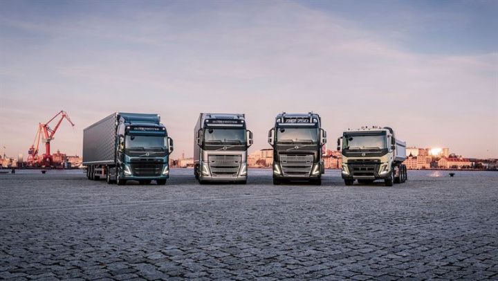 In many markets, the Volvo FH and Volvo FM are available with the Euro 6 compliant gas-powered LNG engine.